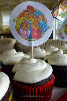 Berenstain Bears cupcake topper  Berenstain Bears Birthday Party | a constant project