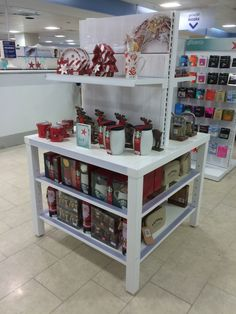 Boots - Nottingham - Christmas 2014 - Christmas Gift - New Fixtures - POS - Layout - Landscape - Visual Merchandising - www.clearretailgroup.eu Boots Christmas Gifts, Christmas 2014, Nottingham, Pos, Visual Merchandising, Liquor Cabinet, Layout, Landscape, Storage