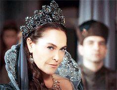 bethwoodvilles: Safiye Sultan in every episode ♔ 1x05 - Fire of Flowers