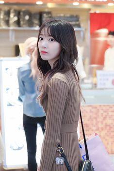 Japanese Beauty, Asian Beauty, Very Good Girls, Sakura Miyawaki, Japanese Girl Group, Miyazaki, Girl Crushes, K Idols, Korean Girl