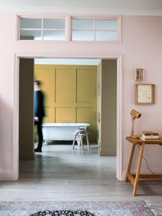 Ochre and pink are such a stylish combo, warm, fresh and comforting, think sprint meets autumn!