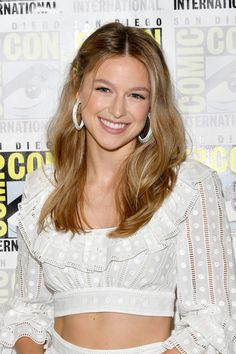 'Supergirl' Adds First Transgender Superhero on Television!: Photo Supergirl is making history after casting TV's very first transgender superhero! Melissa Benoist and her co-stars made the announcement at the Supergirl Special… Melissa Marie Benoist, Melissa Benoist Hot, Melissa Benoist Bikini, Melissa Supergirl, Supergirl Comic, Beautiful Celebrities, Beautiful Actresses, Beautiful Women, Melissa Benoit