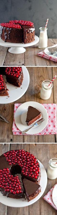 Tarta Chiffon de chocolate / http://www.offthespork.com/