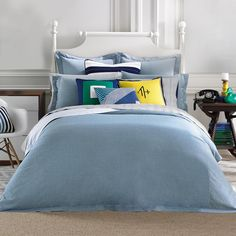 Our Tommy Hilfiger modern sands comforter was designed with sweet dreams in mind. The lightweight chambray reverses to smooth cotton percale that gets softer with every wash.