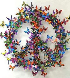 A David Kracov metal sculpture art work that uses colorfully painted butterflies to create a peace sign Hippie Peace, Hippie Love, Hippie Art, Hippie Chick, Happy Hippie, Hippie Style, Butterfly Effect, Butterfly Art, Paper Butterflies