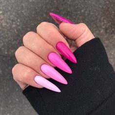 Semi-permanent varnish, false nails, patches: which manicure to choose? - My Nails Pink Acrylic Nails, Acrylic Nail Designs, Bright Summer Acrylic Nails, Nail Pink, Hot Pink Nails, Pink Ombre Nails, Pink Nail Designs, Gorgeous Nails, Pretty Nails