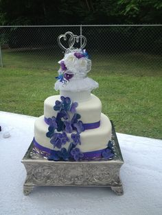 heart shaped wedding cake with butterfly accents - mmf covered, sugar free cake and cream cheese frosting mmf butterflies