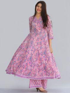 Simple Kurta Designs, Stylish Dress Designs, Designs For Dresses, Stylish Dresses, Simple Dresses, Beautiful Dresses, Frock Fashion, Fashion Dresses, Dress Indian Style