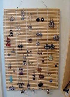 Jewelry Storage Bamboo Earring Holder - You got new blinds, but what do you do with the old ones? Use Bamboo Blinds/Woven Wood Shades to make a sunburst mirror, lampshades, light fixtures more! Jewellery Storage, Jewellery Display, Jewelry Organization, Organization Ideas, Jewelry Organizer Wall, Craft Show Displays, Craft Show Ideas, Display Ideas, Ring Displays