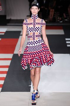 Alexander McQueen Spring 2014 RTW - Review - Fashion Week - Runway, Fashion Shows and Collections - Vogue