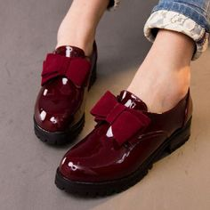 Hot Selling Round Toe Slip-on Patent Leather Oxford Shoes For Women Vintage British Style Bow Women Oxfords Autumn Flat Shoes