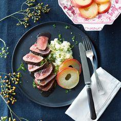 Hertenbiefstuk met wijn-stroopsaus en vanille-appeltjes via Jumbo.com