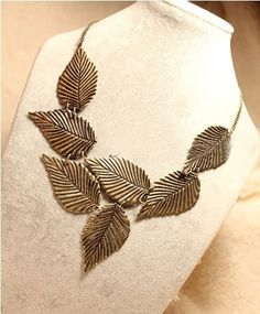 Antique Bronze Leaves Vintage Bib Necklace [0049] - $3.89 : Fashion jewelry promotion store,Supply all kinds of cheap fashion jewelry ,shop fashion jewelry at Costwe.com