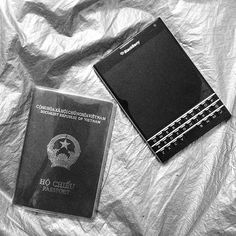 "#inst10 #ReGram @_la.c_: #blackberry #passport . . . . . . (B) BlackBerry KEYᴼᴺᴱ Unlocked Phone ""http://amzn.to/2qEZUzV""(B) (y) 70% Off More BlackBerry: ""http://BlackBerryClubs.com/p/""(y) ...... #BlackBerryClubs #BlackBerryPhotos #BBer ....... #OldBlackBerry #NewBlackBerry ....... #BlackBerryMobile #BBMobile #BBMobileUS #BBMobileCA ....... #RIM #QWERTY #Keyboard .......  70% Off More BlackBerry: "" http://ift.tt/2otBzeO ""  .......  #Hashtag "" #BlackBerryClubs "" ......."