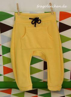 kostenlose Anleitung und Link zum Schnittmuster auch free für Baggy Trousers von Nosh - Jogginghose Kinder