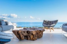 Haus RO Kreta - would be nice today.this is one of those backflashes that makes me feel goooooood! project: Villa Kreta by Rooms - Interior Design! Room Interior Design, Villa, Dining Table, Exterior, Rooms, Architecture, Nice, Projects, Furniture