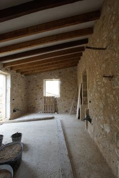 Reconstrucción con piedra y morteros de cal #piedra #construcción_piedra