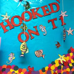 display student writing hooks in this Ocean bulletin board