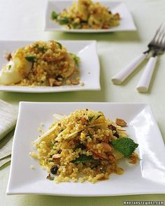 Quinoa-and-Apple Salad with Curry Dressing As a side dish for supper or a main course for lunch, this salad gets its fresh taste and pretty color from curry powder and mint. Vegetarian Recipes, Healthy Recipes, Apple Salad, Apple Recipes, Uk Recipes, Soup And Salad, So Little Time, Salad Recipes, Side Dishes