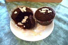 Mogyorós-csokis muffin recept Muffin, Sweets, Breakfast, Desserts, Food, Morning Coffee, Tailgate Desserts, Deserts, Gummi Candy