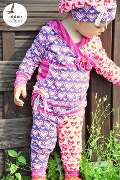 Stoffmix Outfit in rosa und lila #schnittmuster #nähen #diy #janeasworld #rosarosa