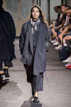 Yohji Yamamoto Spring-Summer 2017 - Paris Fashion Week #PFW