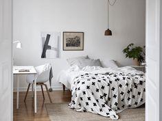 Bedroom workspace - via Coco Lapine Design