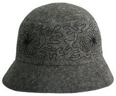 Stylish felt hat from 100% wool. Handmade by artisans of Tumar Art Group.