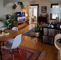 """a on Twitter: """"dream spaces… """" Living Room Interior, Home Living Room, Home Interior Design, Living Room Decor, Living Spaces, Dining Room, Living Room Vintage, Retro Living Rooms, Modern Living"""