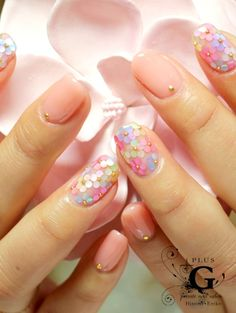 Spring flower nails Discover and share your nail design ideas on www.popmiss.com/...