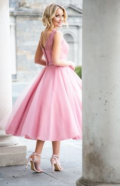 Award Winning Bridal Wear from Ireland – Bridal, Bridesmaid and Communion on Special Day… Tea Length Bridesmaid Dresses, Bridesmaids, Prom Dresses, Wedding Styles, Wedding Ideas, Fifties Fashion, Petticoats, Tulle Dress, Nice Dresses