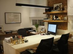 Inspiração home office formato T.