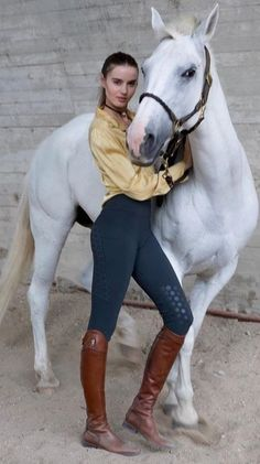 Oh So Equestrian Attire Horse Riding Boots, Horse Riding Clothes, Cowgirl And Horse, Horse Girl, Equestrian Chic, Equestrian Outfits, Equestrian Girls, Cute Horses, Beautiful Horses