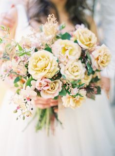 Yellow Rose Bouquet | Jen Huang Photography | Pastel Watercolor Spring Wedding in Lilac and Sunshine