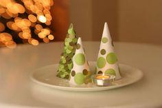 Albero di Natale di carta, fai da te ed ecologico - Albero Natale carta pois