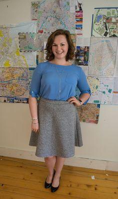 Professionalish // Sunday Style Midi Skirt