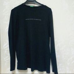Maternity United Colors Of Benetton shirt Black maternity shirt The size has faded on the tag. Priced to sell  Price firm this item must be be bundled Bundles 2+ items get 10% off United Colors Of Benetton Tops Tees - Long Sleeve