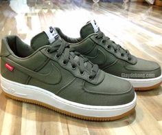 Supreme x Nike Air Force 1 Olive
