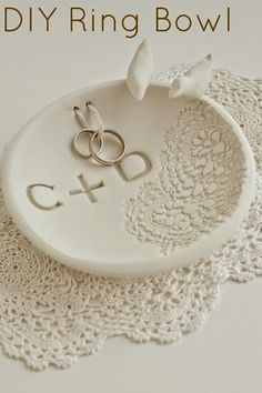 ¿Como hacer un Porta Alianzas de Arcilla?   weddingdiario