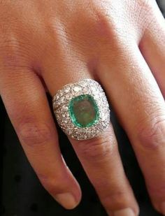 Courtesy of @christiesjewels An unusual setting designed by Suzanne Belperron surrounds this cushion-shaped emerald. This 'Modèle Facetté' ring is accompanied by a certificate of authenticity from the jewellery house Verdura and is available for sale on December 5 at Christie's Paris. #christiesinc #christiesjewels #christies #jewellery #luxury #highjewelry #christiesauction #chrisitiesparis #5DECEMBER2017 #SuzanneBelperron #emerald #diamond @christiesparis
