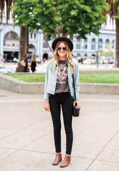 como usar bota de cano curto com calça Fashion Tips, Fashion Trends, Fashion Design, Seven7 Jeans, Vintage Band Tees, Pocket, Denim, Outfits, Black