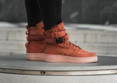 Nike SF Air Force 1 Nike Force 1, Nike Air Force Ones, High Top Sneakers, Shoes Sneakers, Basketball Shoes, High Tops, Geek Stuff, Footwear, Fashion Outfits