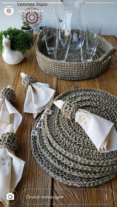 Crochê Crochet Kitchen, Crochet Home, Knit Crochet, Crochet Basket Pattern, Crochet Stitches Patterns, Rope Crafts, Diy And Crafts, Knit Rug, Macrame Wall Hanging Diy