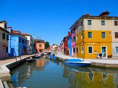 Italy Hotline Reads: The Secrets Edition – Venice, Rome & Bolzano