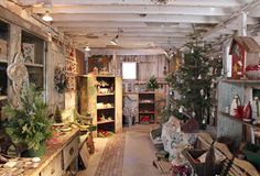 urban farmgirl: the christmas barn....