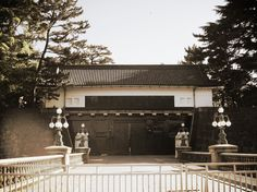 The main gate of the Imperial Palace opens only a few times in a year when general congratulatory palace visit for the New Year Greeting and the Emperor's Birthday are held or on special occasions.  https://trulyjapan.net/ #TrulyJapan #imperialpalace #tokyo #japan