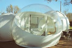"""A thousand stars. """"Buble"""" hotel near Girona. Bubble House, Bubble Tent, Unique Hotels, Best Hotels, Hotel Weekend, Round Building, Best Places To Vacation, Barcelona Hotels, Relax"""