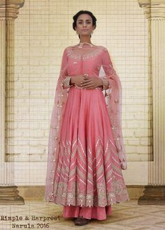 Blush pink anarkali suit in chanderi silk with farshi pants Silk Anarkali Suits, Anarkali Dress, Salwar Suits, Indian Wedding Outfits, Indian Outfits, Indian Clothes, Pakistani Dress Design, Pakistani Dresses, Rimple And Harpreet Narula