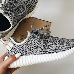 Yeezy 350 Boost Turtle Dove Women