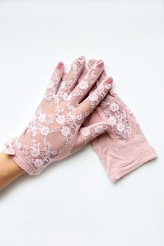 """""""Penelope"""" Vintage Purple Floral Lace and Bow Gloves"""